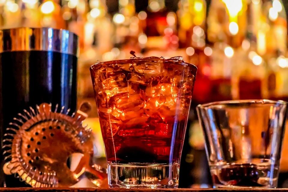 Какое отношение имеет алкоголь к душевному состоянию?